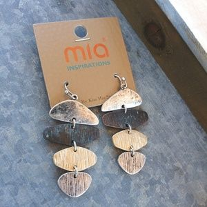 MIA Jewelry - Beautiful hammered multicolor earrings.